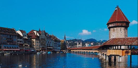 Qui vient passer ses vacances en Suisse?