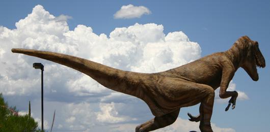 Bienvenue au Mésozoïque, le parc suisse des dinosaures