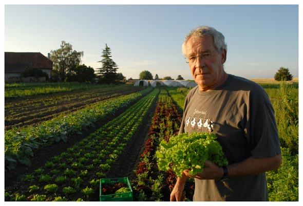 Bertrand Meldem. Cet agriculteur d'Apples vend ses produits directement aux consommateurs. © Nicole Chuard