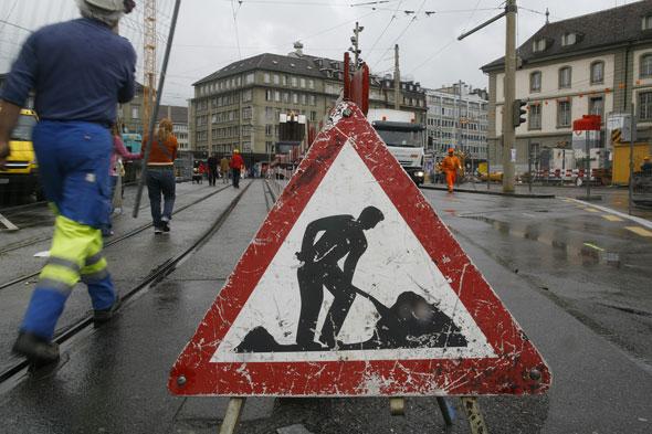 Les ouvriers n'ont pas beaucoup plus de difficultés à retrouver un emploi que les cols blancs. © Stefan Wermuth / Reuters