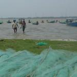 Pêcheurs à Satapada, au bord du Chilika Lake. © Joëlle Proz