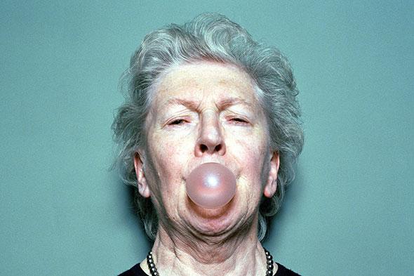 50 à 60% des plus de 65 ans sont en bonne santé et n'ont qu'une seule maladie chronique. © Richard Kolker / Photonica / gettyimages