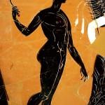 """Amphore panathénaïque. Athlète vainqueur tenant un strigile. De tels vases ornaient le péristyle de la Maison aux mosaïques. 363/362 av. J.-C. Erétrie, Musée archéologique. Image tirée de """"Cité sous terre"""". Infolio (2010)."""