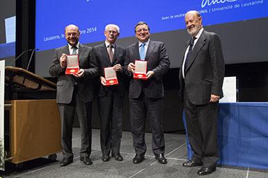 Herman Van Rompuy, président du Conseil européen, Martin Schulz, président du Parlement européen, et José Manuel Barroso, alors président de la Commission européenne (sur la photo, ils sont accompagnés de José Maria Gil-Robles, alors président de la Fondation Jean Monnet). © Laurent de Senarclens