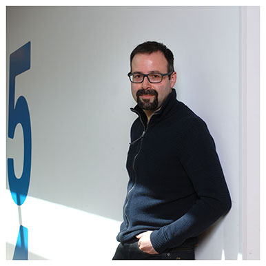 Philippe Gonzalez Sociologue des médias à l'UNIL. Il travaille sur les religions dans l'espace public et propose entre autres un cours sur «L'après-Charlie Hebdo». Nicole Chuard © UNIL