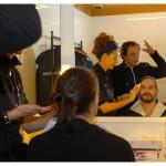 Yves Jenny (Michael) se fait maquiller par Sonia Geneux. Derrière eux, François Florey (Ferdinand Vanek). Théâtre La Grange de Dorigny, le 20 février 2015. Répétition de Vernissage de Vaclav Havel. Photo Nicole Chuard © UNIL