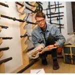 Matthieu Péry s'est intéressé aux armes de la famille Gingins-La Sarraz. Photo Nicole Chuard © UNIL