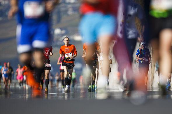 14 620. Le nombre d'inscrits au Marathon de Lausanne, édition 2014. Ici, le passage vers Rivaz. © Valentin Flauraud / Keystone