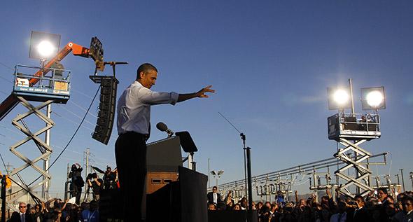 Barack Obama Le président américain en visite sur le site d'Intel à Chandler, en Arizona. Le fabricant de micro-processeurs a créé des emplois aux Etats-Unis © Haraz N. Ghanbari /AP / Keystone