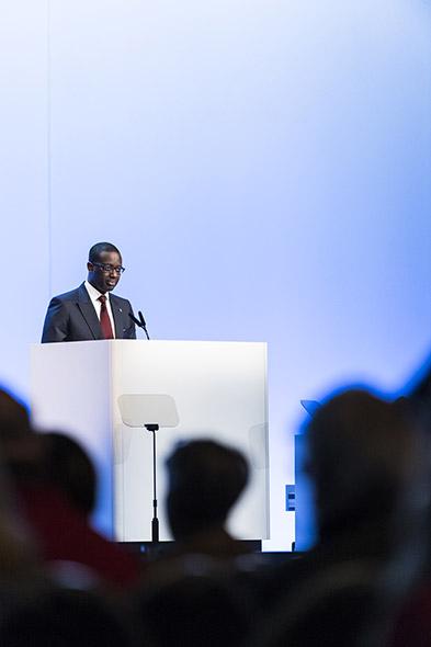Tidjane Thiam. Franco-Ivoirien, le CEO de Credit Suisse fait partie des nouveaux top managers au profil globalisé. Donc moins insérés dans les réseaux nationaux suisses. © Dominic Steinmann / Keystone