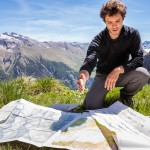 Dans le cadre de sa thèse à l'Institut des sciences de la Terre, Adrien Pantet étudie la nappe du Mont Fort et les unités tectoniques environnantes. Photo F. Ducrest © UNIL