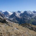 Le col de la Meina (2702 m) offre une vue imprenable sur le barrage de la Grande Dixence et le val des Dix, autre terrain de recherche privilégié d'Adrien Pantet.Photo F. Ducrest © UNIL