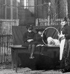 Alexandre et Charles-Albert Cingria avec leur mère Caroline, née Stryjenska (fonds C.-A. Cingria, CLSR)
