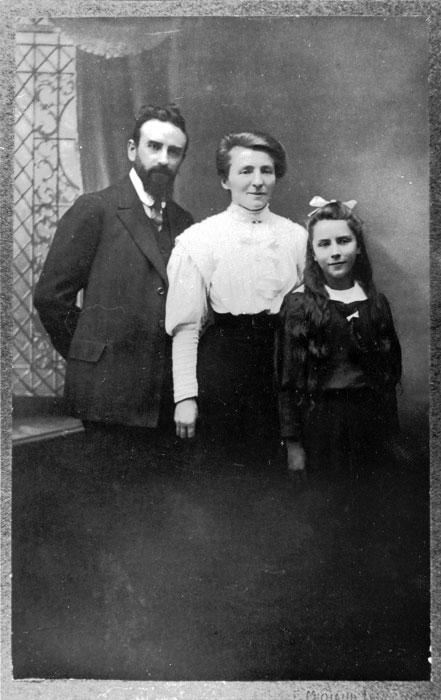 Alice Rivaz avec ses parents