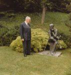 Jacques Mercanton sur la tombe de James Joyce,1984 (CLSR)
