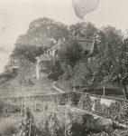 Le château de Rochefort à Begnins, cadre de « Châteaux en enfance », de Catherine Colomb (fonds C. Colomb, © CLSR)