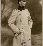 Raymond de Pourtalès, frère cadet de l'écrivain, en uniforme de lieutenant de l'armée allemande, Berlin, 1905 (fonds Guy de Pourtalès, CLSR)