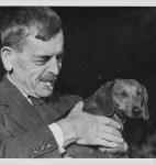 C. F. Ramuz et Chip, le chien de sa sœur Berthe Buchet, photographie de Fred Schmid (CLSR)