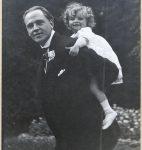 Guy de Pourtalès et sa fille Françoise, Eaubonne (France), 1914 (fonds G. de Pourtalès, © CLSR)
