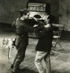 Philippe Mentha et Alain Knapp dans « Andorra », de Max Frisch, au Théâtre municipal de Lausanne, 19 mars 1963 (CLSR)