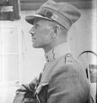 Edmond Thévoz en uniforme de premier lieutenant, photographie de Gustave Roud (© fonds photographique Gustave Roud, BCUL / C.-A. Subilia)
