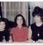 Grisélidis Réal en compagnie de ses enfants Boris et Léonore, printemps 1969 (fonds Suzi Pilet, CLSR)