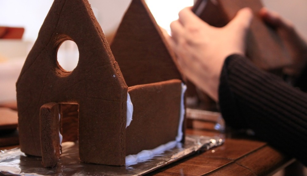 Building your own gingerbread house