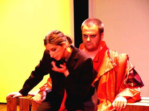 king lear manipulation King lear: goneril and regan act three, scene seven: page 295 - 303 regan 'hang him instantly' goneril 'pluck out his eyes' regan interruption of cornwall 'hard, hard.